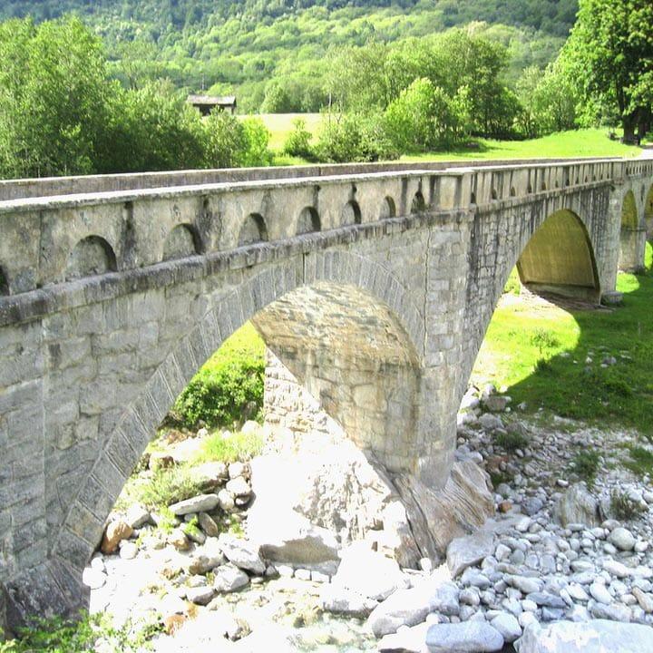 Brückenpark - Eine Equi Bridges Dienstleistung